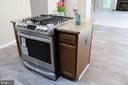 New Gas cooking with electric oven - 9 CARISSA CT, STAFFORD