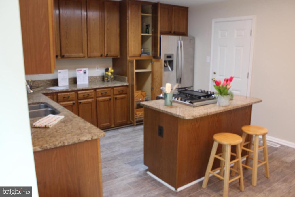 Granite and Stainless - 9 CARISSA CT, STAFFORD