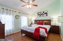 PICTURE PERFECT MASTER BEDROOM - 46801 WOODSTONE TER, STERLING