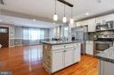Beautiful Granite and Backsplash - 26 BREEZY HILL DR, STAFFORD
