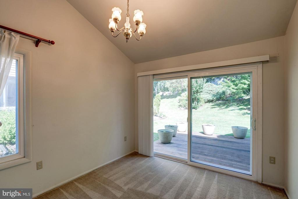Walk out to Deck from the Dinning rm sliding doors - 414 AVONDALE DR, STERLING