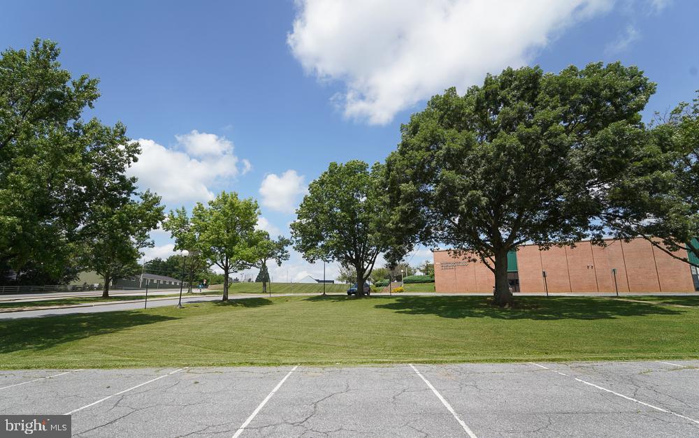 Walk to schools - 2 GAVER WAY, MIDDLETOWN