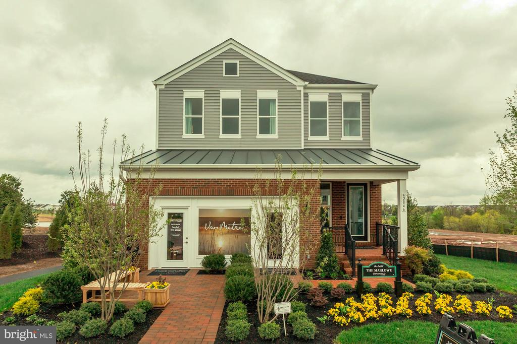 - 42875 BEAVER CROSSING SQ, ASHBURN