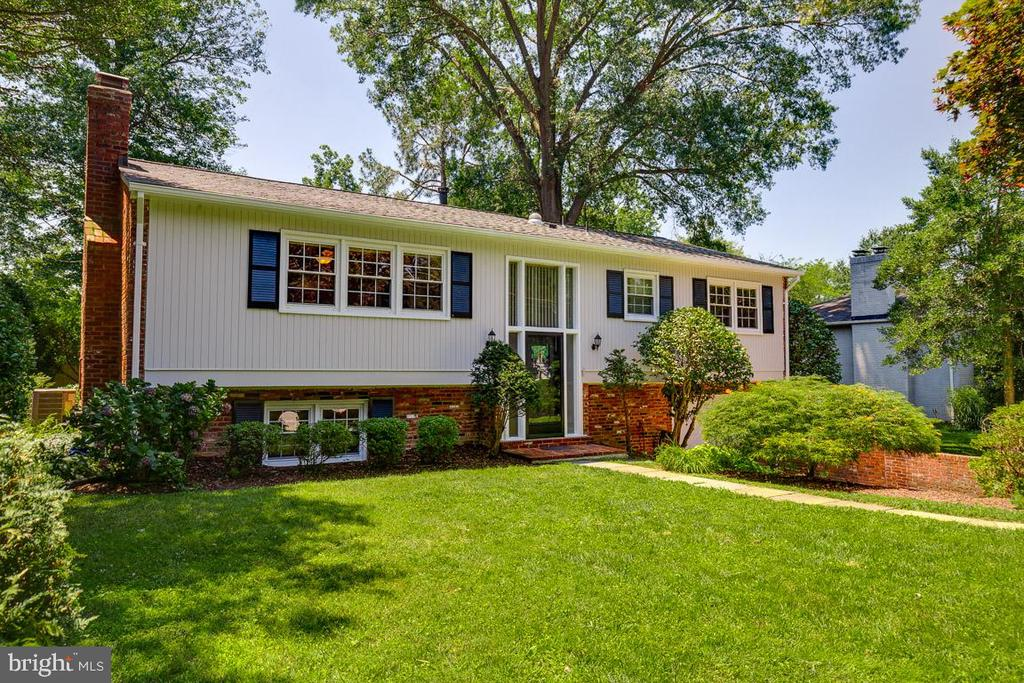 Freshly Painted Exterior - 1007 COLLINGWOOD RD, ALEXANDRIA