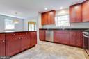 Bright Kitchen - 1007 COLLINGWOOD RD, ALEXANDRIA