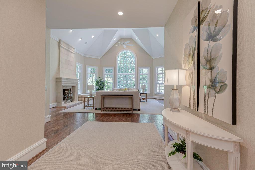 Family Room - 916 MACKALL AVE, MCLEAN
