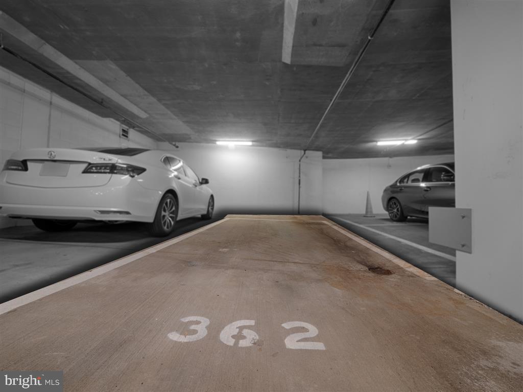 Parking Spot - 888 N QUINCY ST #1002, ARLINGTON