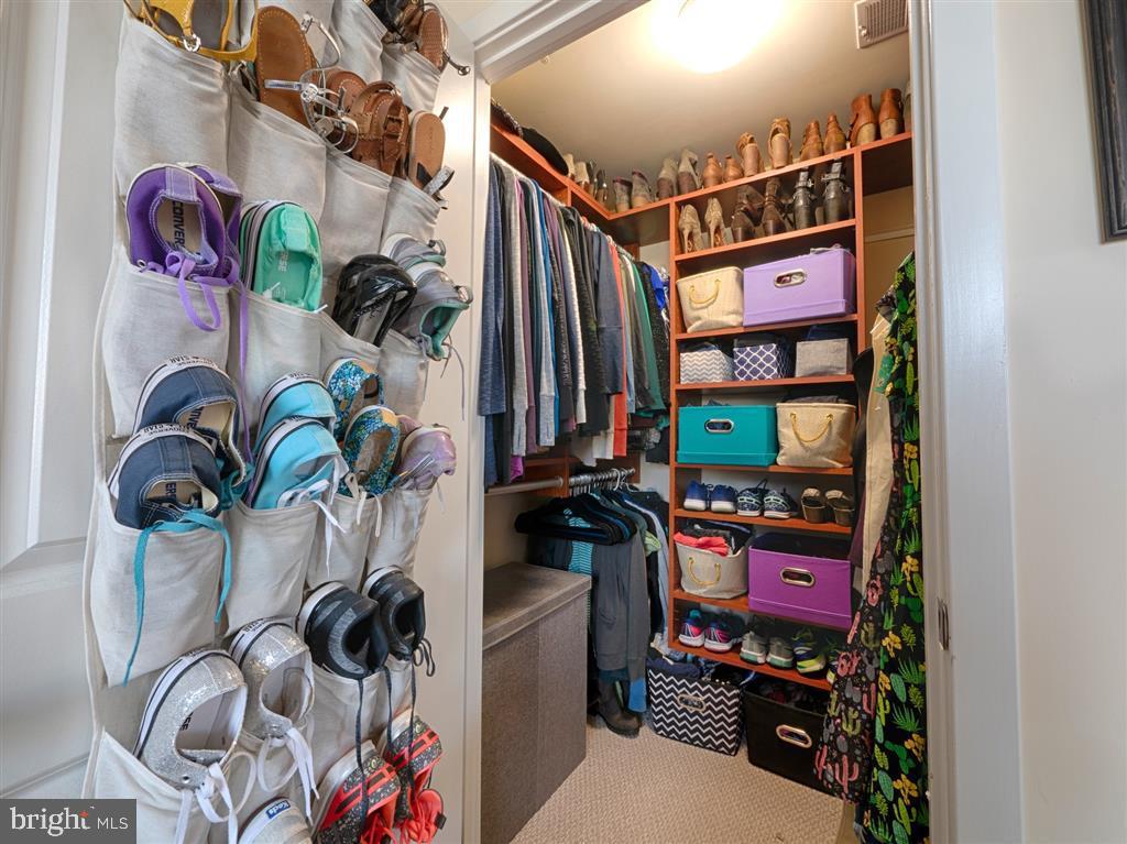 Closet - 888 N QUINCY ST #1002, ARLINGTON
