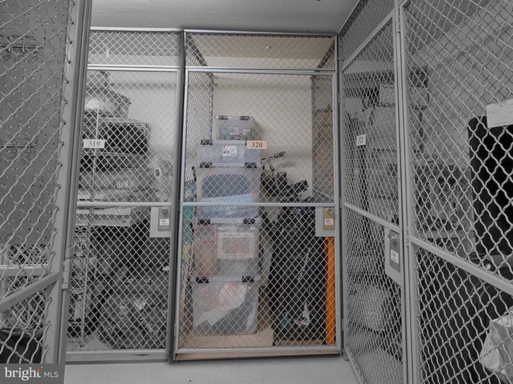 Storage - 888 N QUINCY ST #1002, ARLINGTON