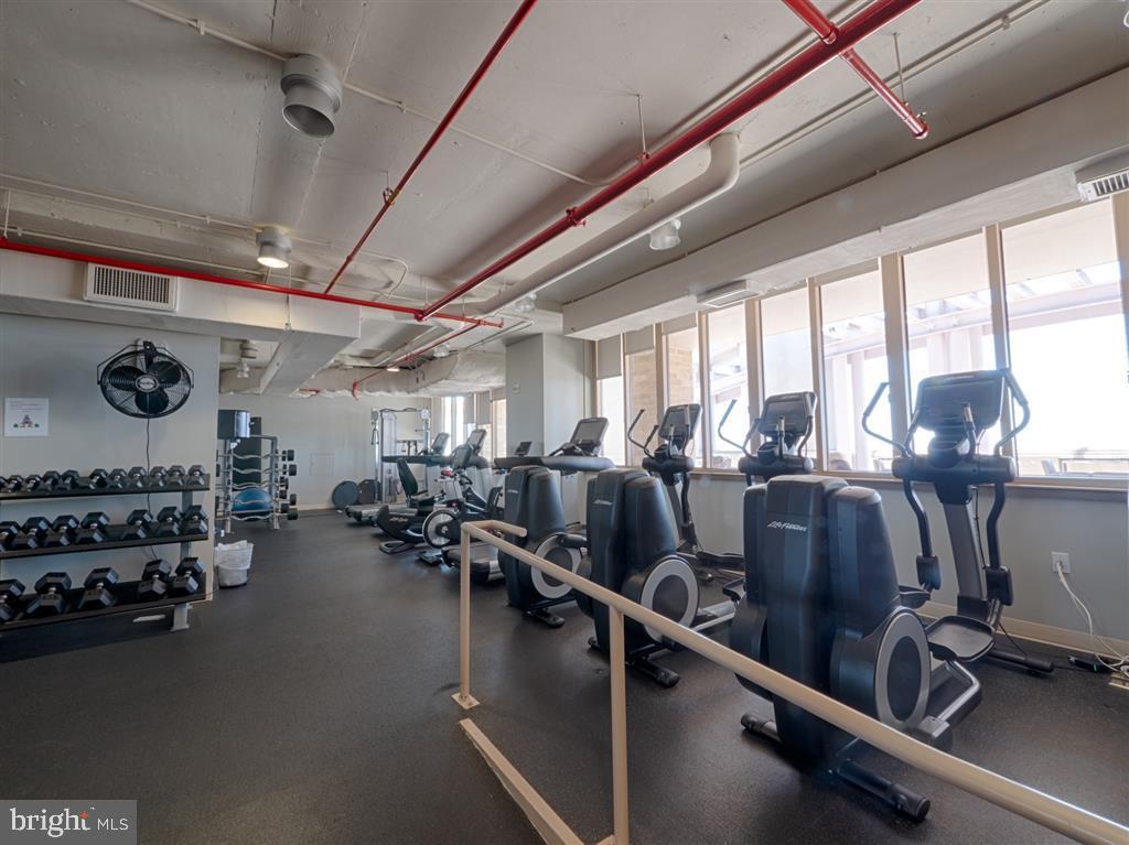 Gym - 888 N QUINCY ST #1002, ARLINGTON