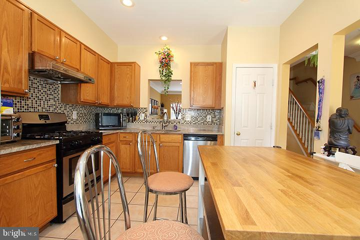 Eat in kitchen-Alt view - 252 GOLDEN LARCH TER NE, LEESBURG