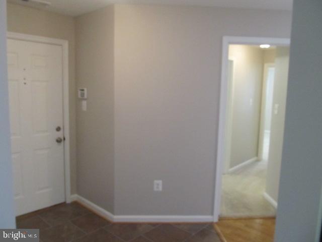 Foyer - 20585 SNOWSHOE SQ #102, ASHBURN