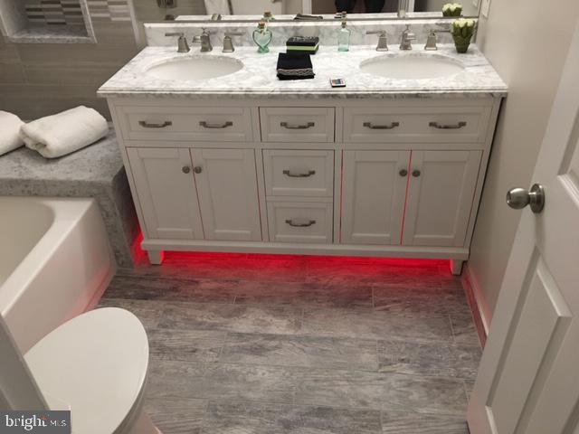 bathroom - 20585 SNOWSHOE SQ #102, ASHBURN