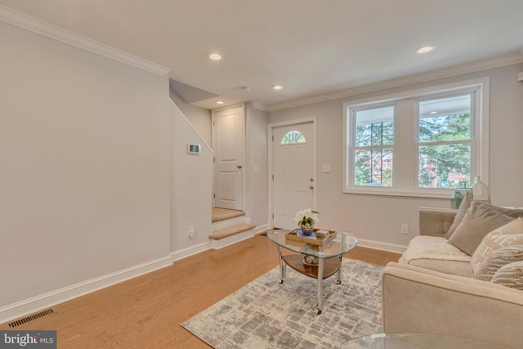 Living Room - 5426 BASS PL SE, WASHINGTON