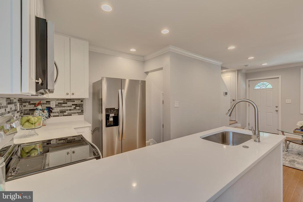 Kitchen - 5426 BASS PL SE, WASHINGTON