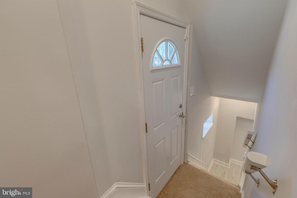 Steps to basement - 5426 BASS PL SE, WASHINGTON