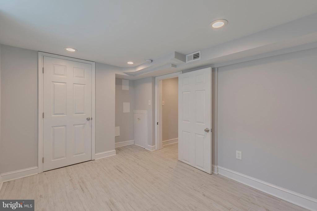 bedroom in basement - 5426 BASS PL SE, WASHINGTON