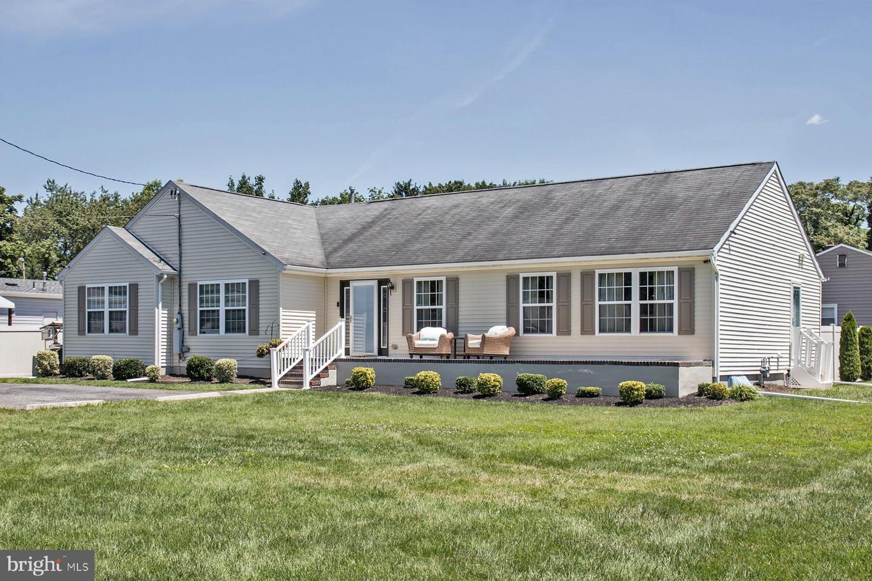 Single Family Homes pour l Vente à Minotola, New Jersey 08341 États-Unis