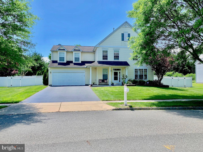 Single Family Homes pour l Vente à Hightstown, New Jersey 08520 États-Unis