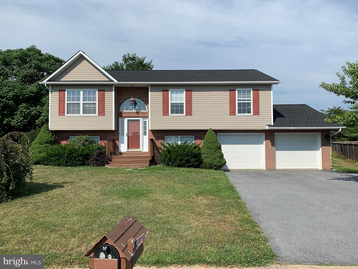 Single Family for Sale at 210 Lilys Way 210 Lilys Way Winchester, Virginia 22602 United States