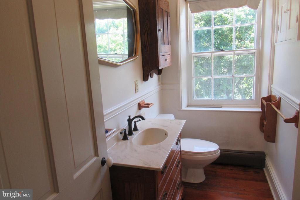 Second Floor full bath - 751 BERKELEY STATION RD, MARTINSBURG