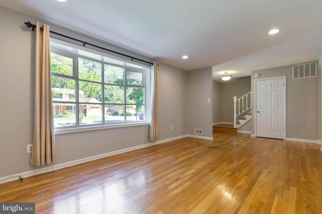 Living Room has a bow window to give so much light - 5119 LAVERY CT, FAIRFAX