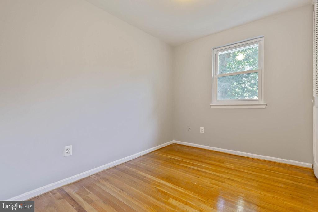 Bedrooms all have hardwood floors - 5119 LAVERY CT, FAIRFAX