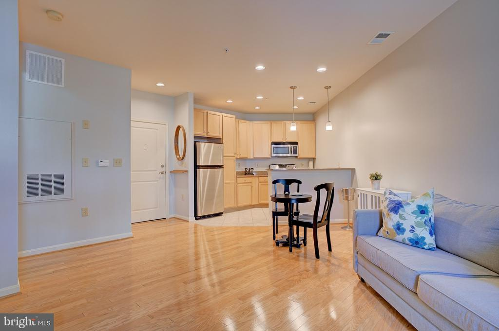 Hardwood floors - 2665 PROSPERITY AVE #232, FAIRFAX