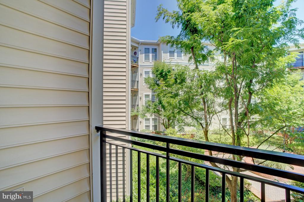 Balcony overlooks quiet courtyard - 2665 PROSPERITY AVE #232, FAIRFAX