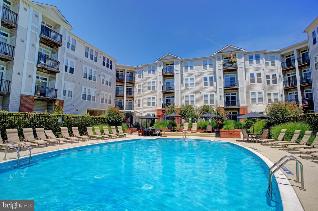 - 2665 PROSPERITY AVE #232, FAIRFAX