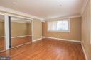 Master Bedroom 1 on Main Level - 107 BAKER LN, STERLING