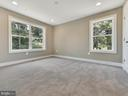 - 8712 HOLLOW RD, MIDDLETOWN