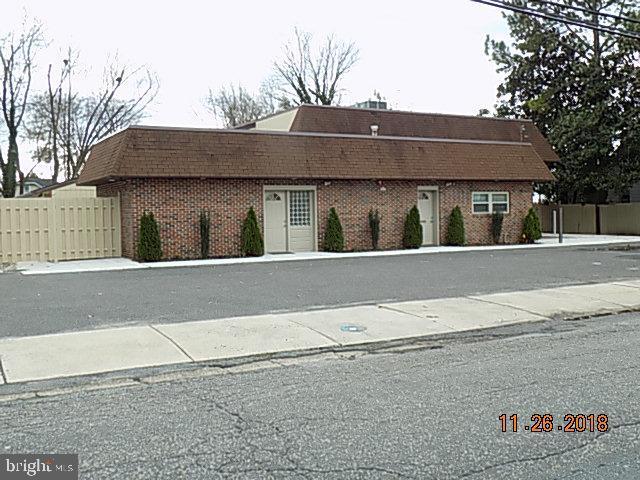 pour l Vente à Haddon Heights, New Jersey 08035 États-Unis