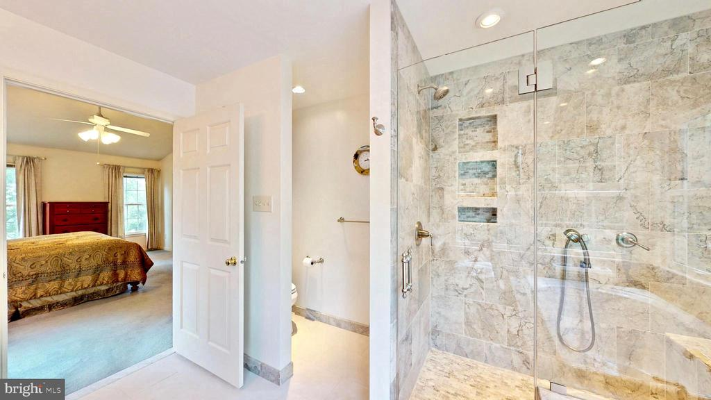 Master Bath - 13519 MOSS GLEN RD, CLIFTON