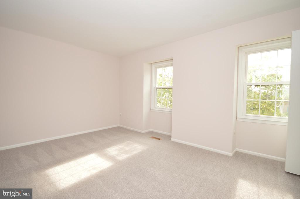 2nd bedroom. - 22326 MAYFIELD SQ, STERLING
