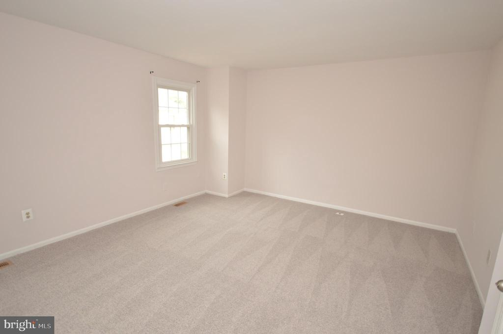 Master bedroom. - 22326 MAYFIELD SQ, STERLING