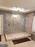 Master Shower - GLENDALE CT, FREDERICKSBURG