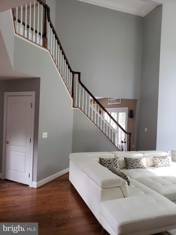 Back Staircase - GLENDALE CT, FREDERICKSBURG
