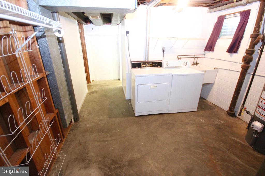 Washer & Dryer. - 4808 20TH PL N, ARLINGTON