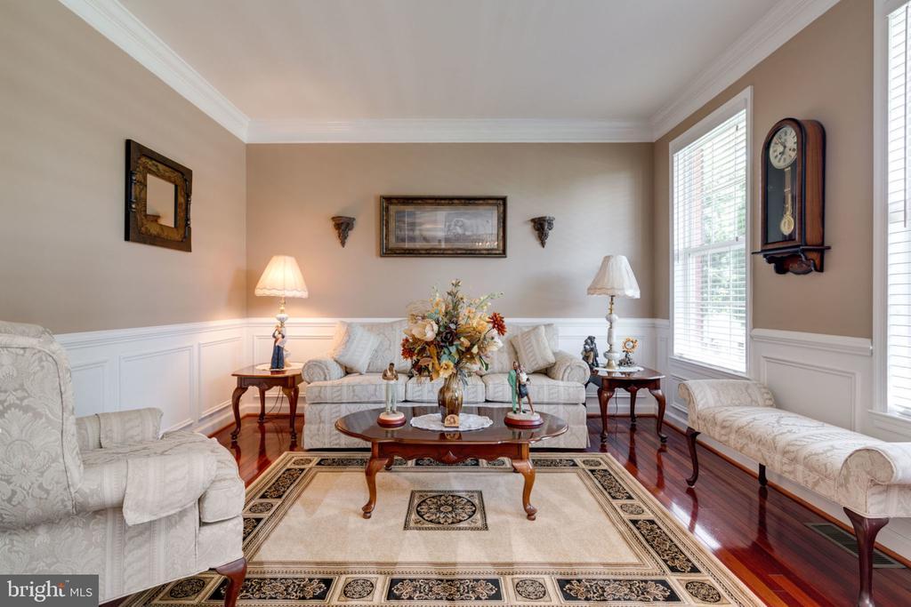 Living Room 1 - 5432 QUAINT DR, WOODBRIDGE
