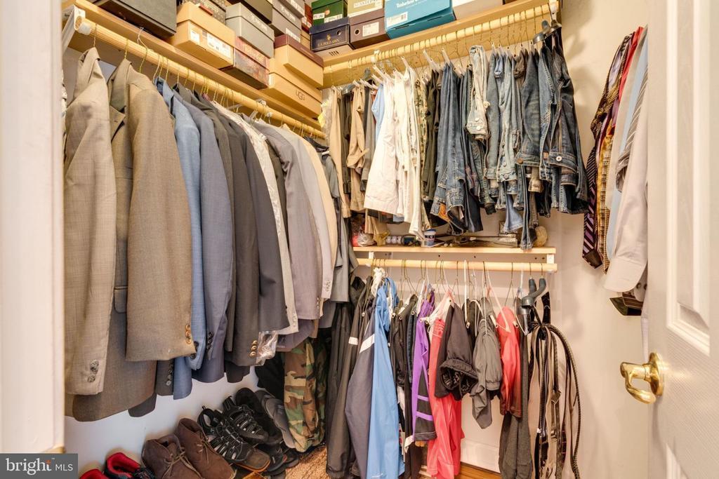 Master Bedroom Walk -in Closet - 5432 QUAINT DR, WOODBRIDGE