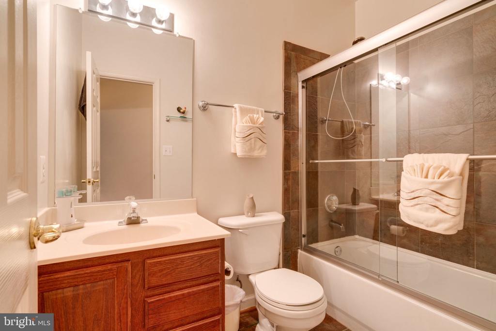 Full Bath Basement - 5432 QUAINT DR, WOODBRIDGE
