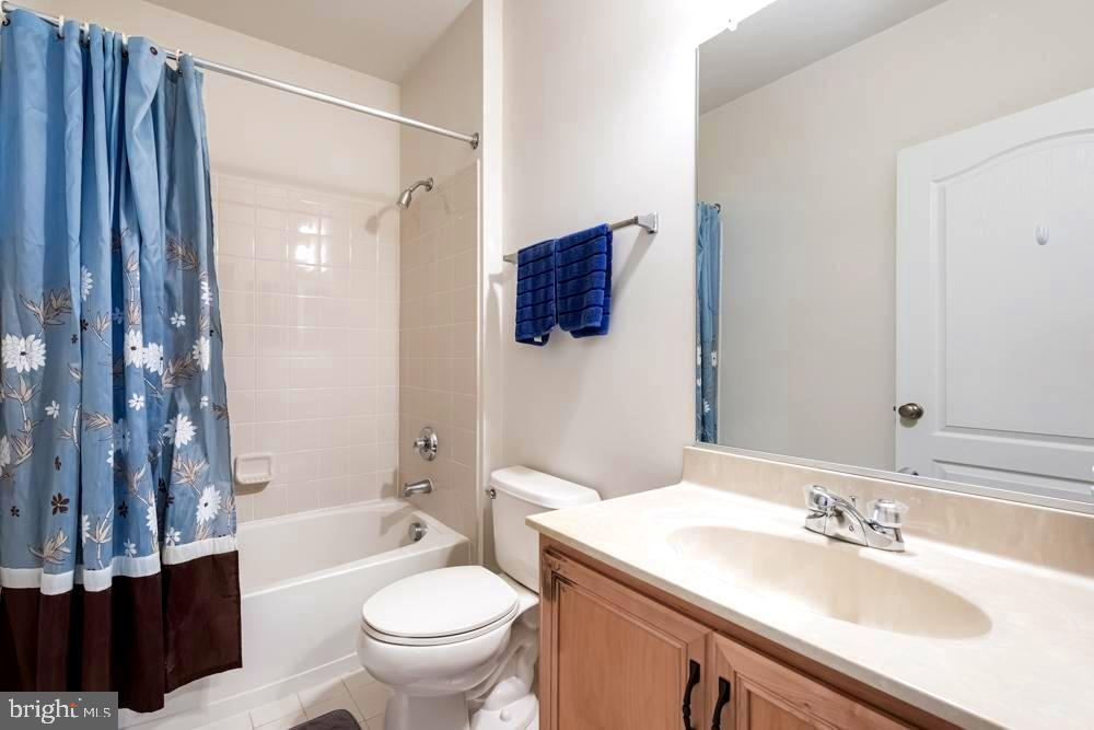 Basment full bath - 25091 RIDING CENTER DR, CHANTILLY