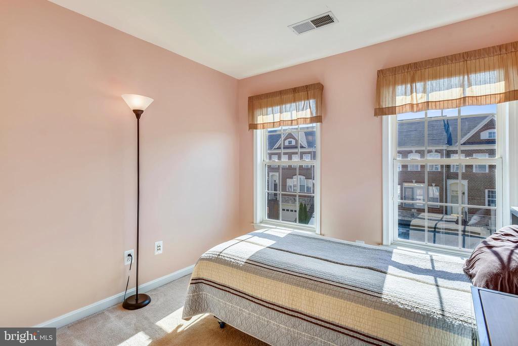Bedroom 3 - 21935 WINDY OAKS SQ, BROADLANDS