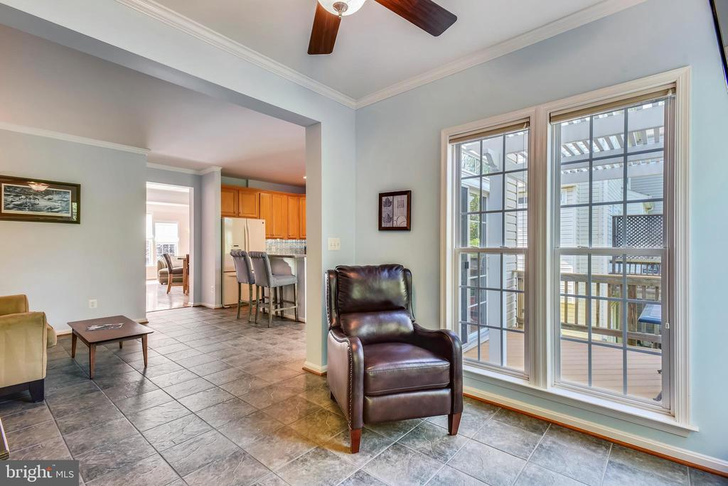 Access to deck from kitchen and sunrooom - 21935 WINDY OAKS SQ, BROADLANDS