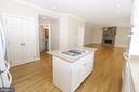 Kitchen - 43350 SNEAD LN, SOUTH RIDING