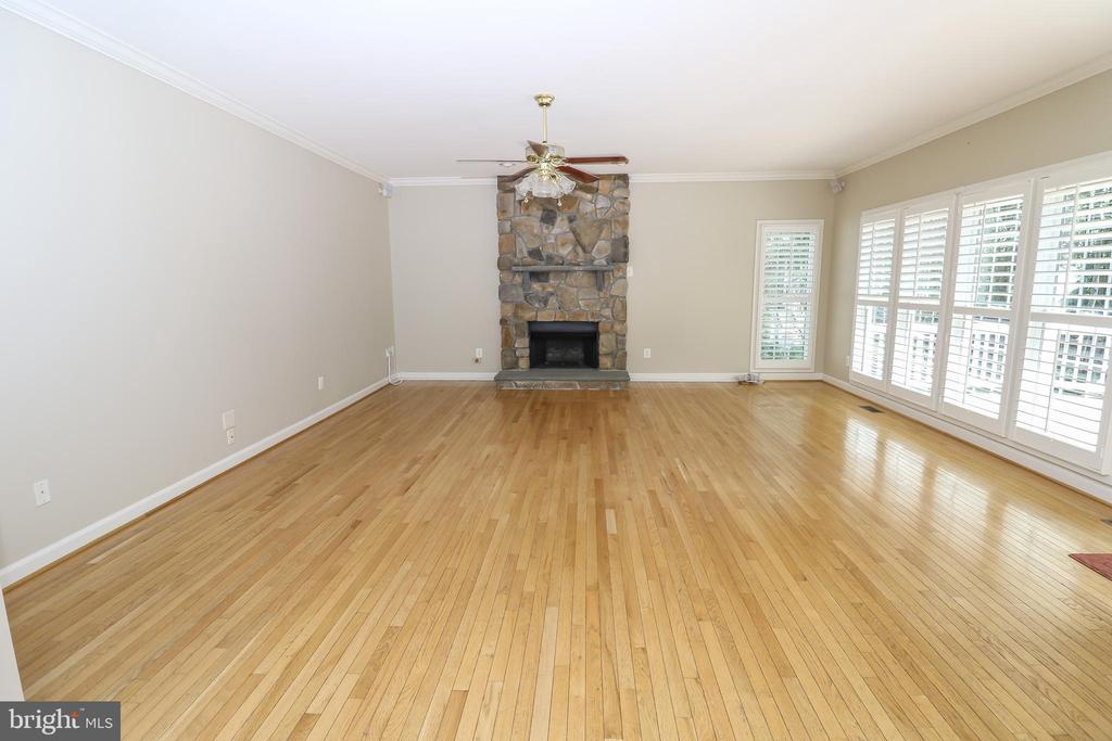 Family Room - 43350 SNEAD LN, SOUTH RIDING