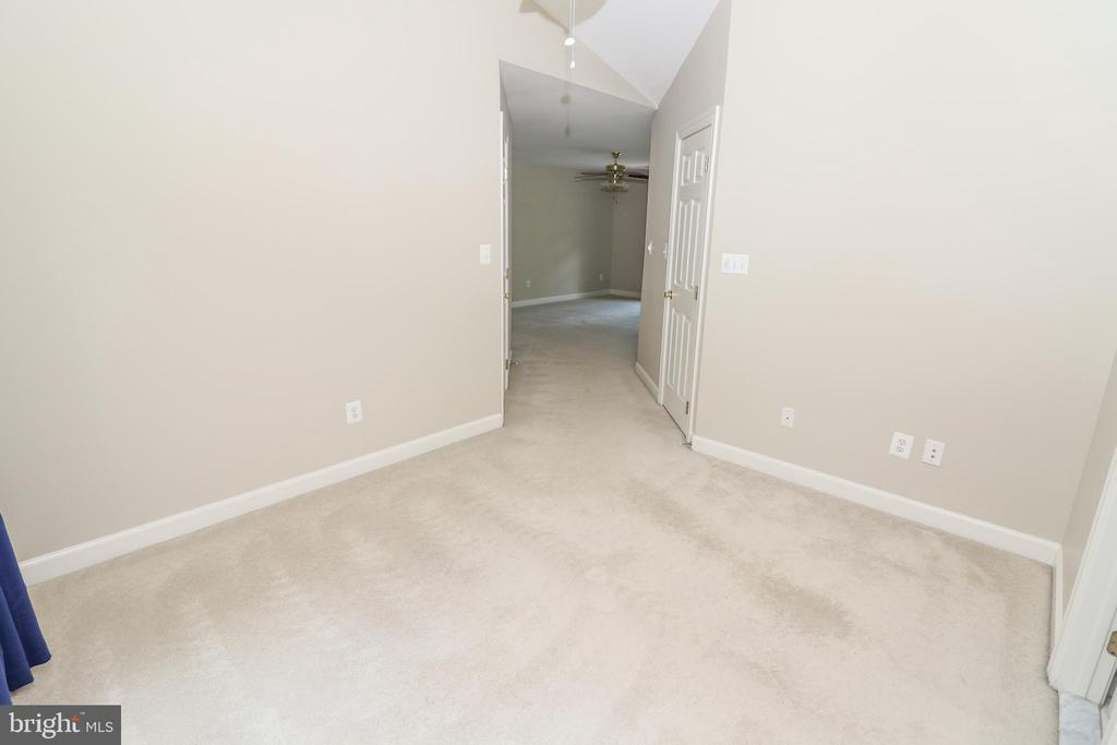 Master Suite - 43350 SNEAD LN, SOUTH RIDING
