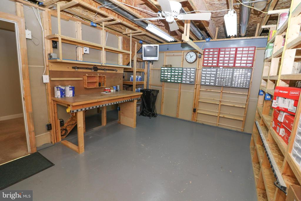 Work Shop - 43350 SNEAD LN, SOUTH RIDING