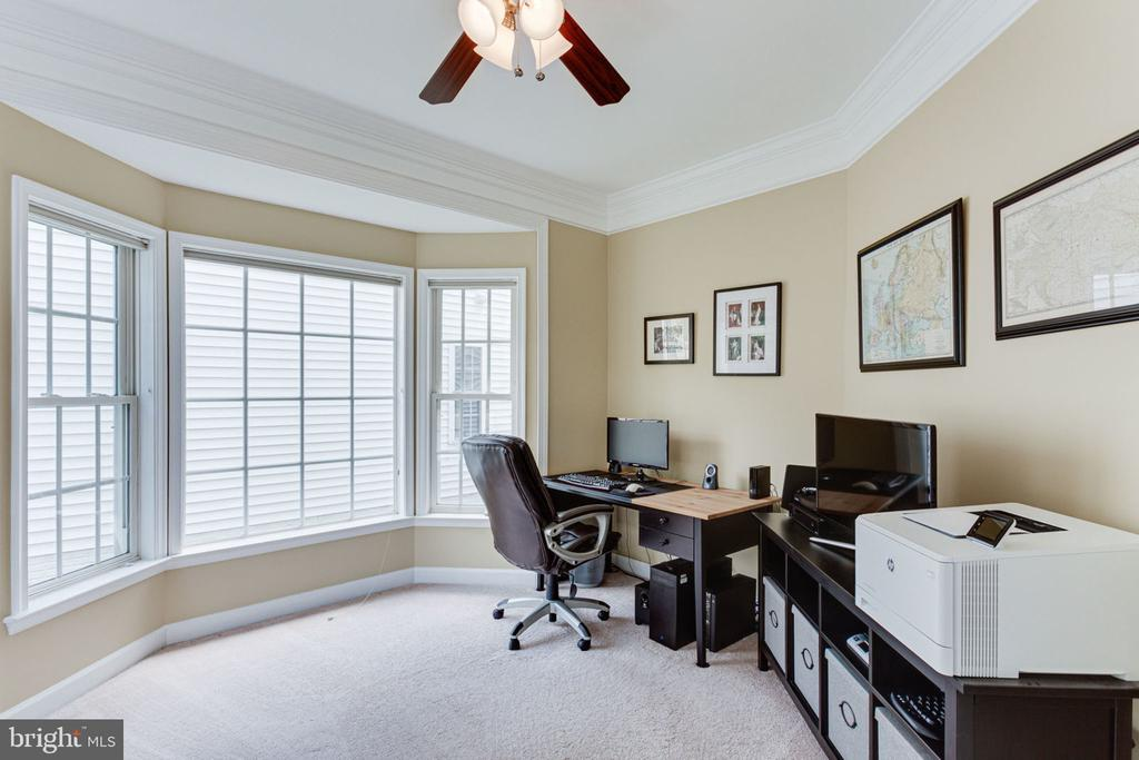 Perfect for Home Office or Playroom - 2625 AMANDA CT, VIENNA